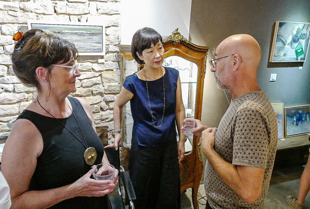 Hiromi parle avec Patrick Auberger (photographe) et Claude Ferthet-Dugad